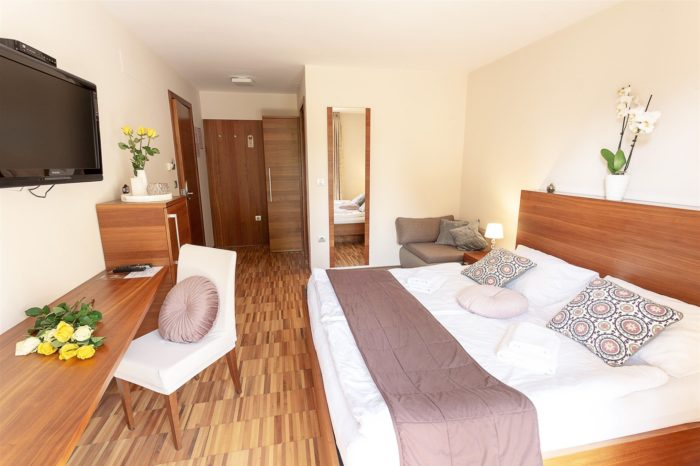 Villa Aina Rooms Apartment Accommodation