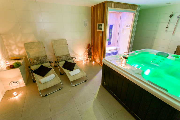 Villa Aina Wellness & SPA